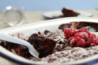 Self Saucing Berry Pudding